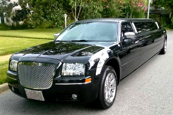 Stockton California Chrysler 300 Limo