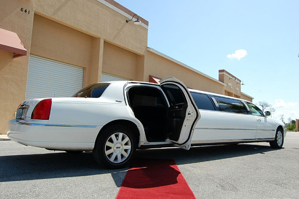 Stockton Lincoln Limos Rental